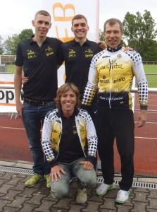 Bild: vlnr: John Doubek, Jonas Lechler, Andreas Bidlingmaier, sitzend Sandra Rollbühler