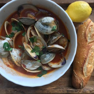 crate cooking spring winter seasonal recipe simple easy tomatoes steamed littleneck clams basic tomato sauce