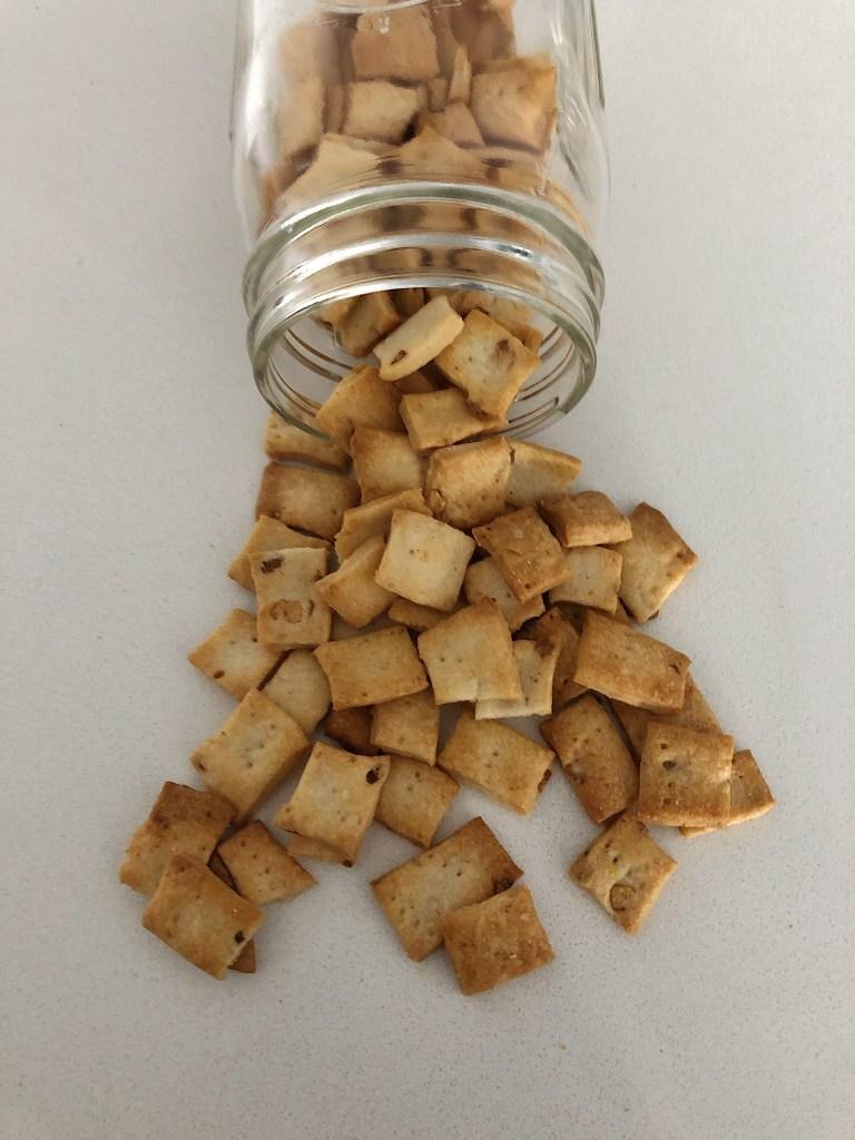 Sourdough Discard Garlic Crackers