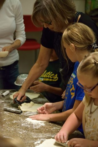 Kid's Pie Making Class 9.19.15-199