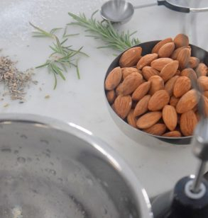 Rosemary Lavender Candied Almonds-003