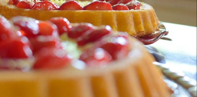 Lemon Custard Strawberry Tiara Cake-032