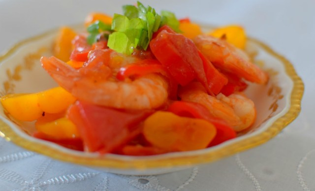 Spicy Lemon Tomato Broth Poached Shrimp-004