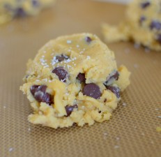marzipan-chocolate-chip-cookies-027