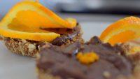 raw-orange-spiced-chocolate-tartlette-019