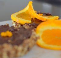raw-orange-spiced-chocolate-tartlette-021