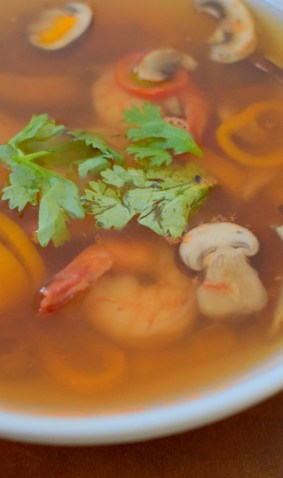 spicy-thai-lemongrass-shrimp-soup-004
