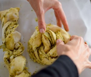 parmesan-pesto-pinwheel-pastry-wreath-034
