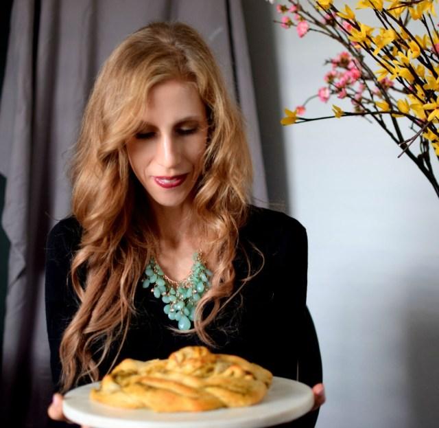 parmesan-pesto-pinwheel-pastry-wreath-049