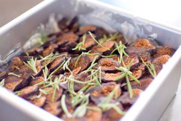 Vanilla Fig Rosemary Cheesecake BARS-006
