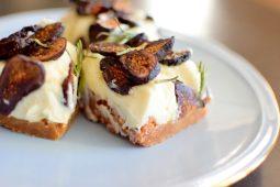 Vanilla Fig Rosemary Cheesecake BARS-019
