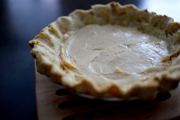 Salted Caramel Pear Cream Pie-004