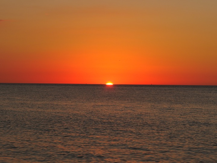 Caya Coasta Sunset