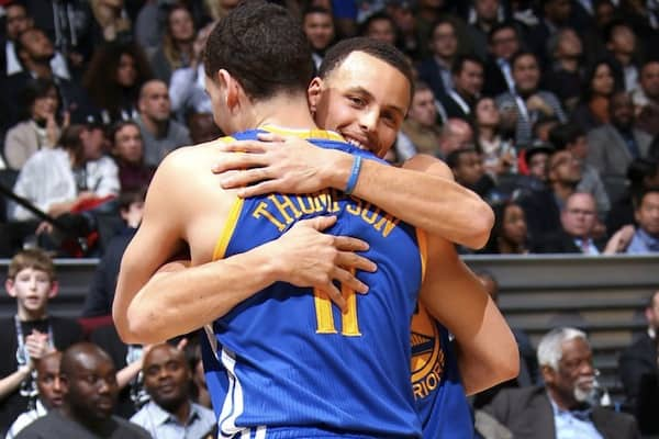 Klay Thompson Tops Steph Curry to win the 3-Point Contest