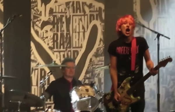 Green Day Fan on Stage Chicago Thomas Bulvan