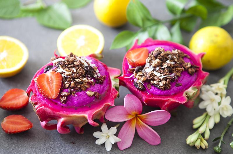 Pitaya cashew cream with chocolate granola