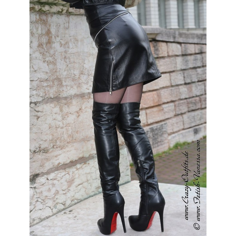 Leather skirt DS554  CrazyOutfits  webshop for leather clothing shoes and more