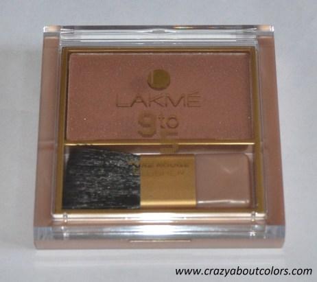 lakme 9 to 5 blush in rose crush (2)