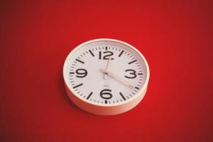 """How do you """"sell"""" time? Click through to find out or pin now and read later."""