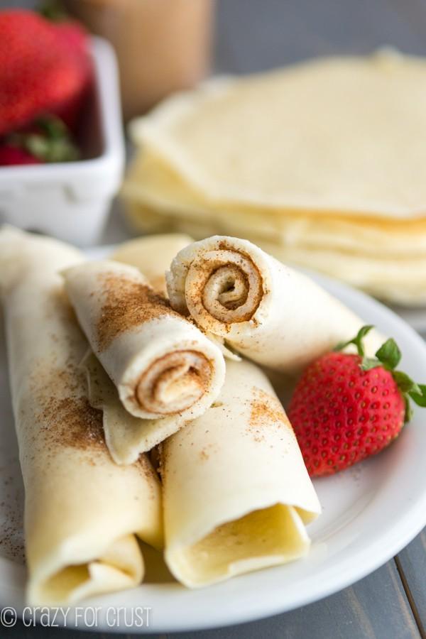 Cinnamon Sugar Pancake Rolls - the perfect grab and go pancake breakfast!