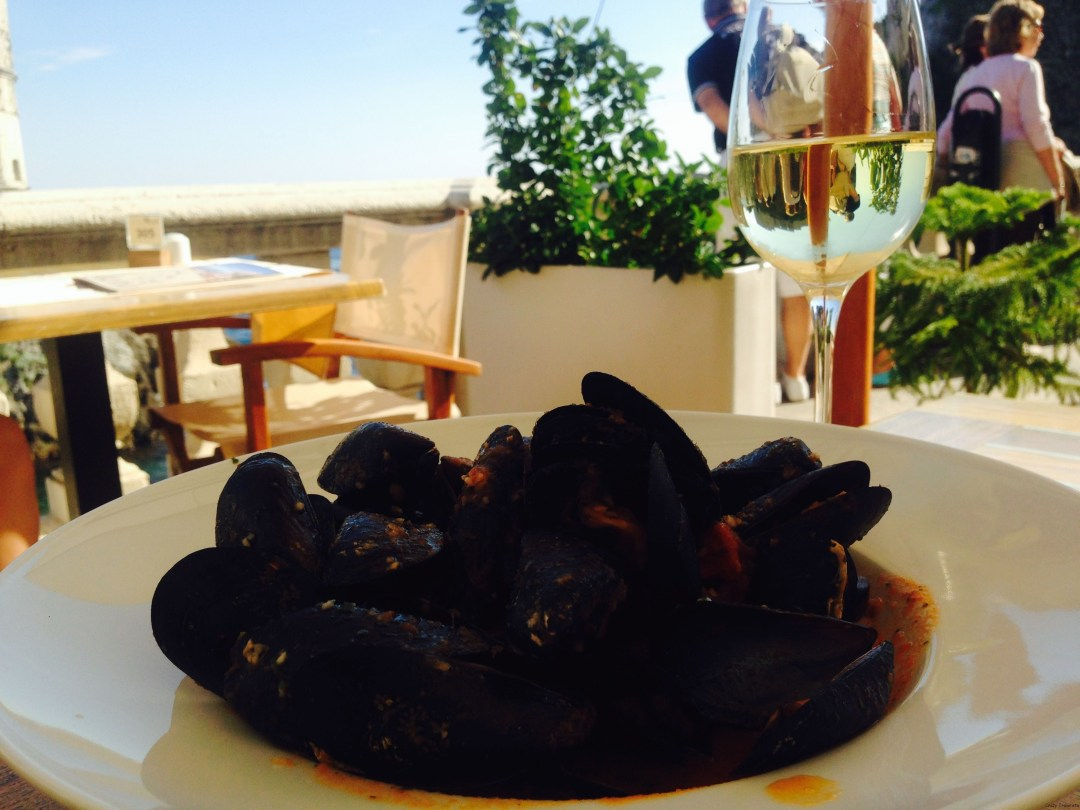 Mussels in tomato sauce-yum!