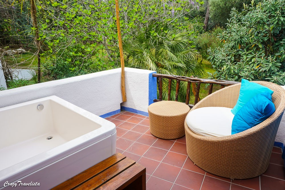 Su Gologone Suite Hot Tub