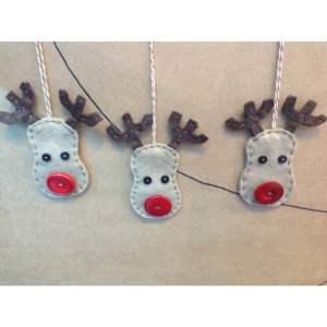 3 Woolfelt Reindeer Decorations Sewing Kit-0