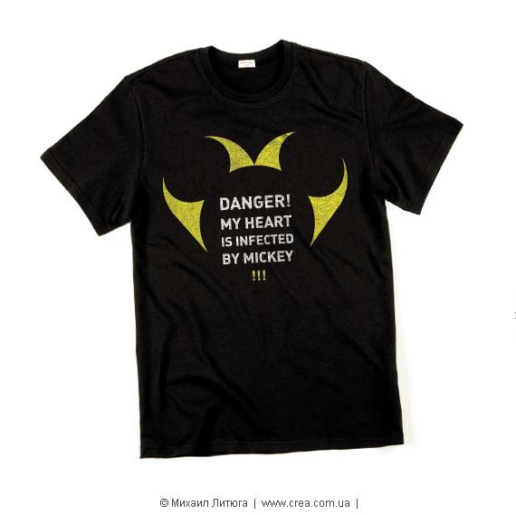 Дизайн футболки на конкурс UNIQLO t-shirts design contest — концепт «Infected by Mickey»