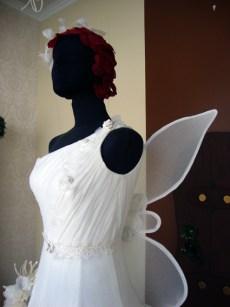 cabeza y alas de novia hada