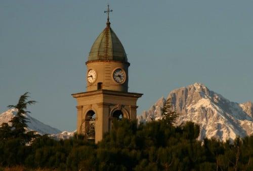 Campanile della Chiesa Parrocchiale della B.V. del Rosario di Annone Brianza