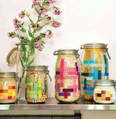 11. Pots décorés