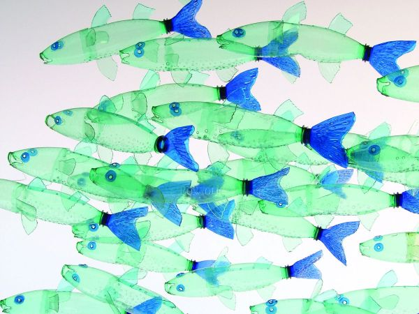 recyclage-bouteilles-plastique-art-veronika-richterova8