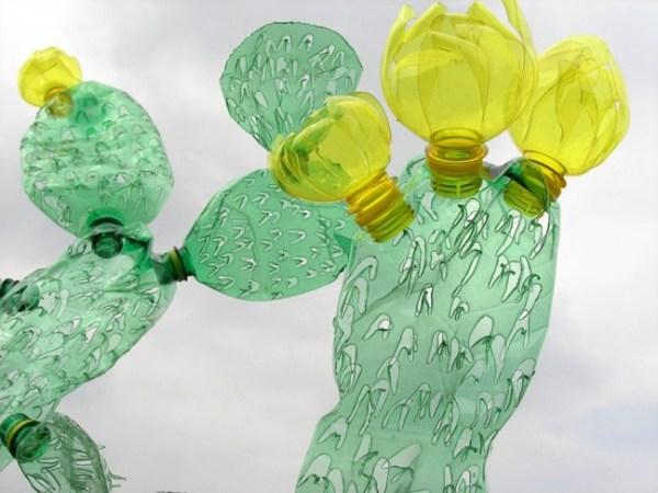 recyclage-bouteilles-plastique-art-veronika-richterova2