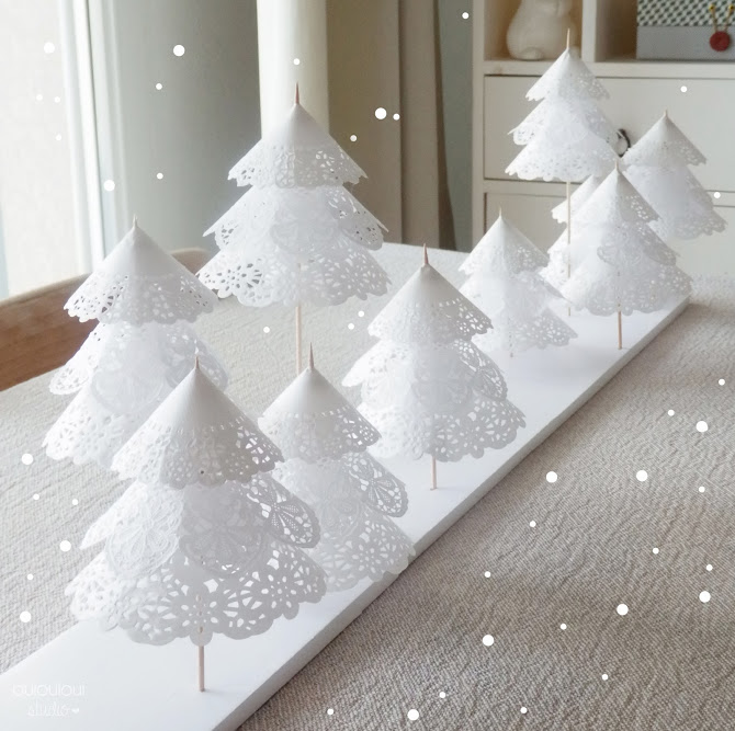 diy-foret-sapin-Noel-napperons-papier-dentelle