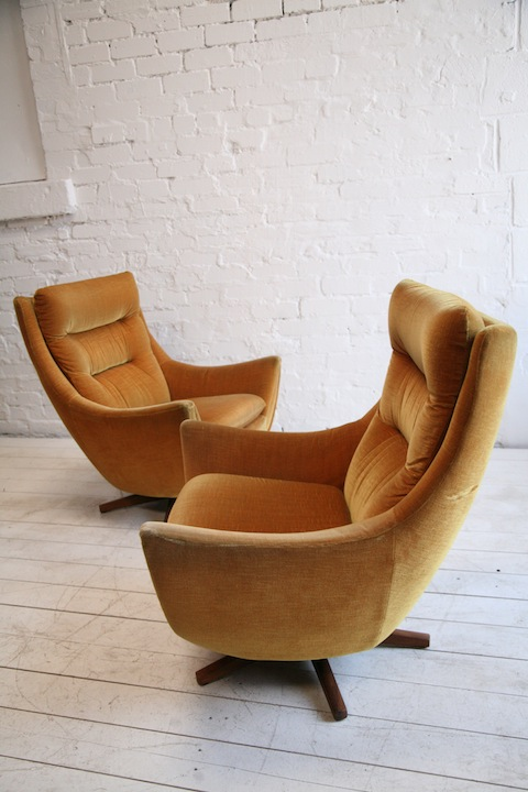 1960s Swivel Chairs by Parker Knoll  Cream and Chrome