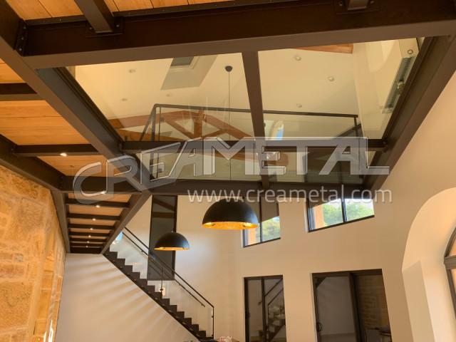 Etude Et Fabrication Mezzanine Metallique Avec Passerelle Et Plancher En Verre Villefranche Sur Saone 69 Creametal