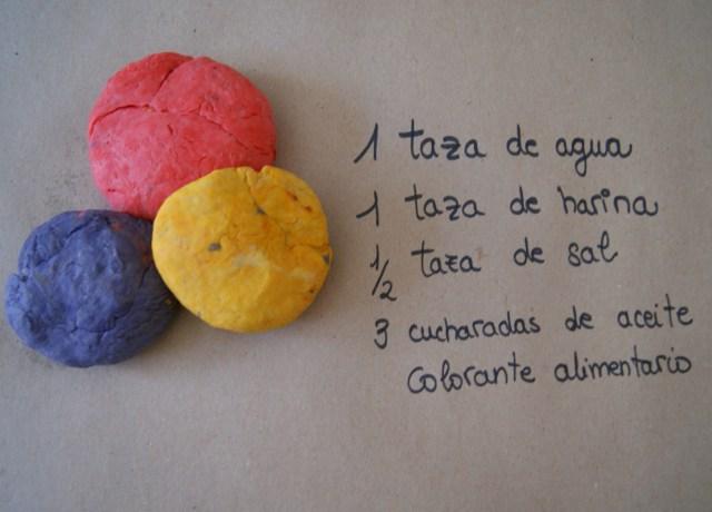 Plastilina casera comestible para bebés y niños pequeños.
