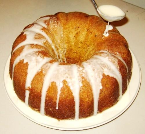5-Pumpkin-Spice-Bundt-Cake-With-Vanilla-Butter-Sauce-For-Rent.Com-600-555