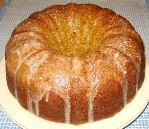 6-Pumpkin-Spice-Bundt-Cake-With-Vanilla-Butter-Sauce-ForRent.Com-600-519