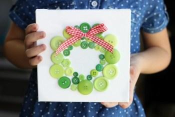 christmas-button-wreath