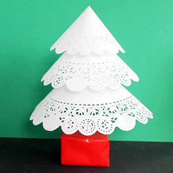 Paper Christmas Tree Doily