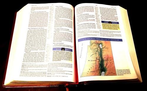 NKJV Spirit Filled Life Bible - Features