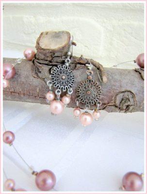Sieradenset met roze parels - Creatief en Simpel - Ga naar onze site voor uitleg over deze set en andere leuke ideeen
