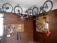 How to hang a bike from the ceiling - C.R.A.F.T.