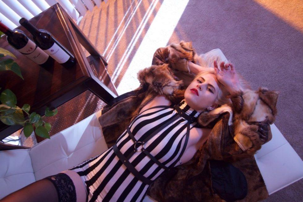Boho Fashion - Old Hollywood Glamour - Creation Despite