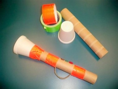 Trompeta din tub de carton si pahar de plastic la care chiar poti canta - cum sa iti faci propria orchestra la tine acasa