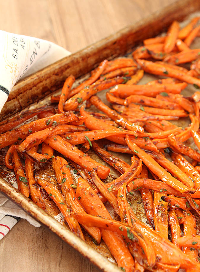 Roasted Carrots with Honey, Rosemary and Thyme