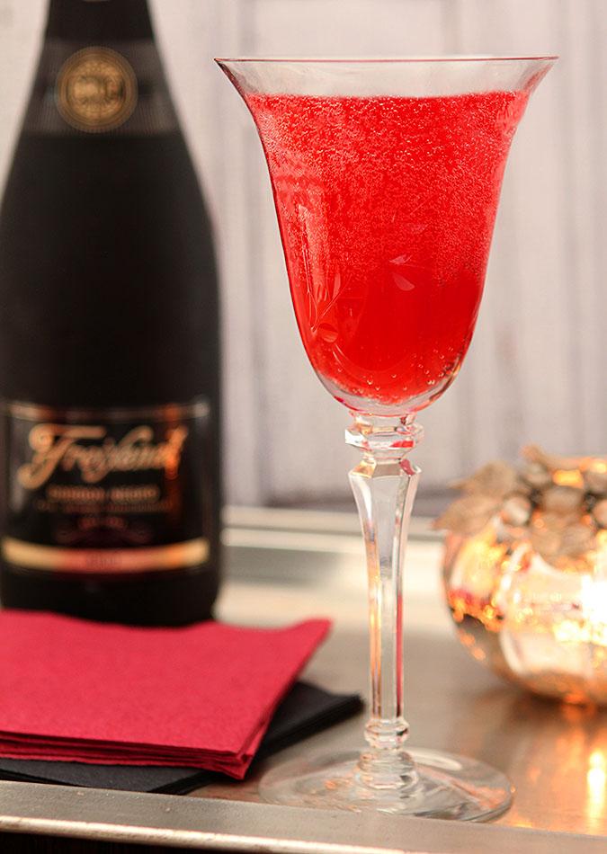 Cranberry Liqueur Cocktail
