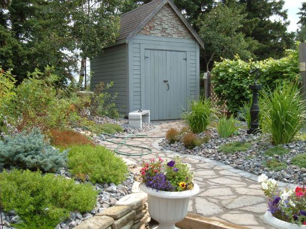 minimal maintenance landscaping