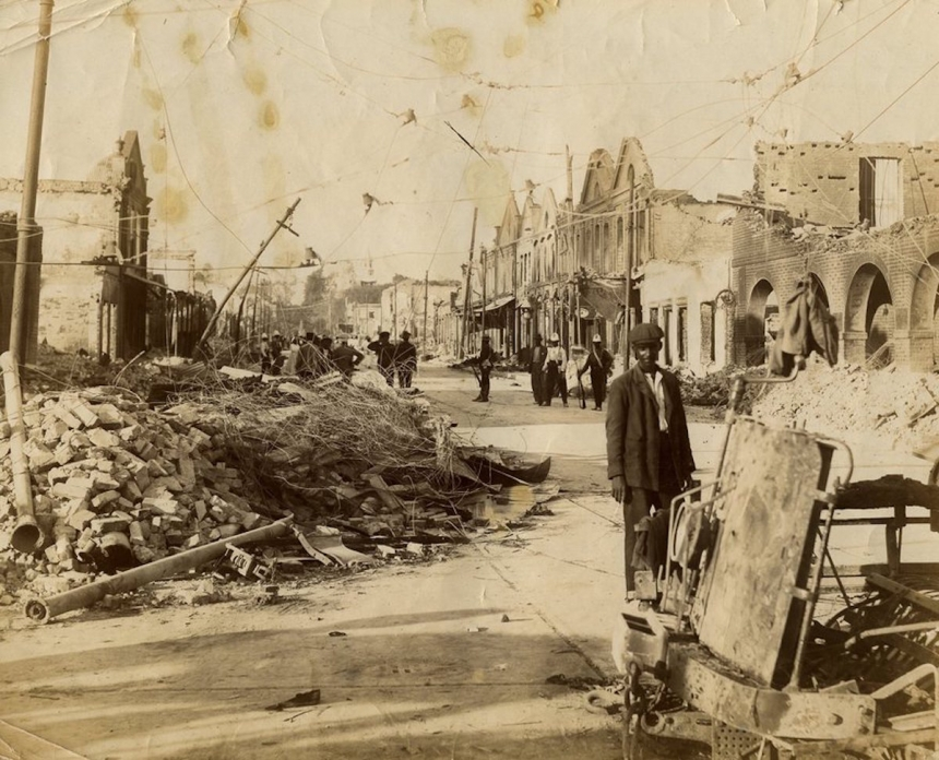 King St & Harbour St., Kingston, Jamaica. J.W. Cleary. After the earthquake in 1907. Courtesy Caribbean Photo Archive / Autograph ABP